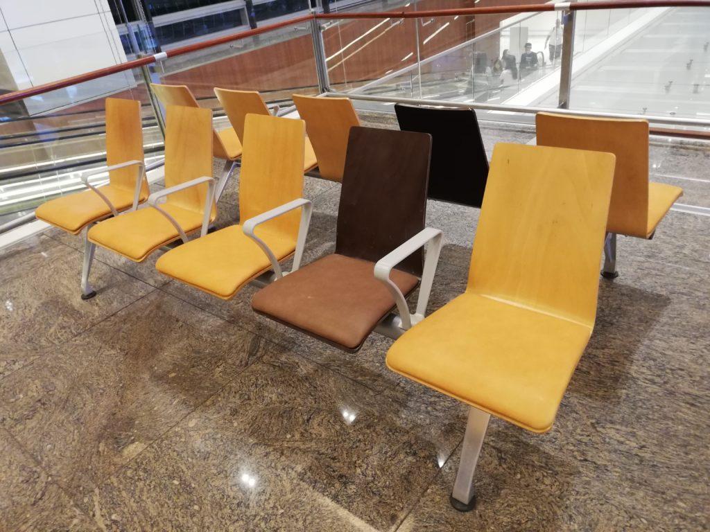 チャンギ空港内ベンチ