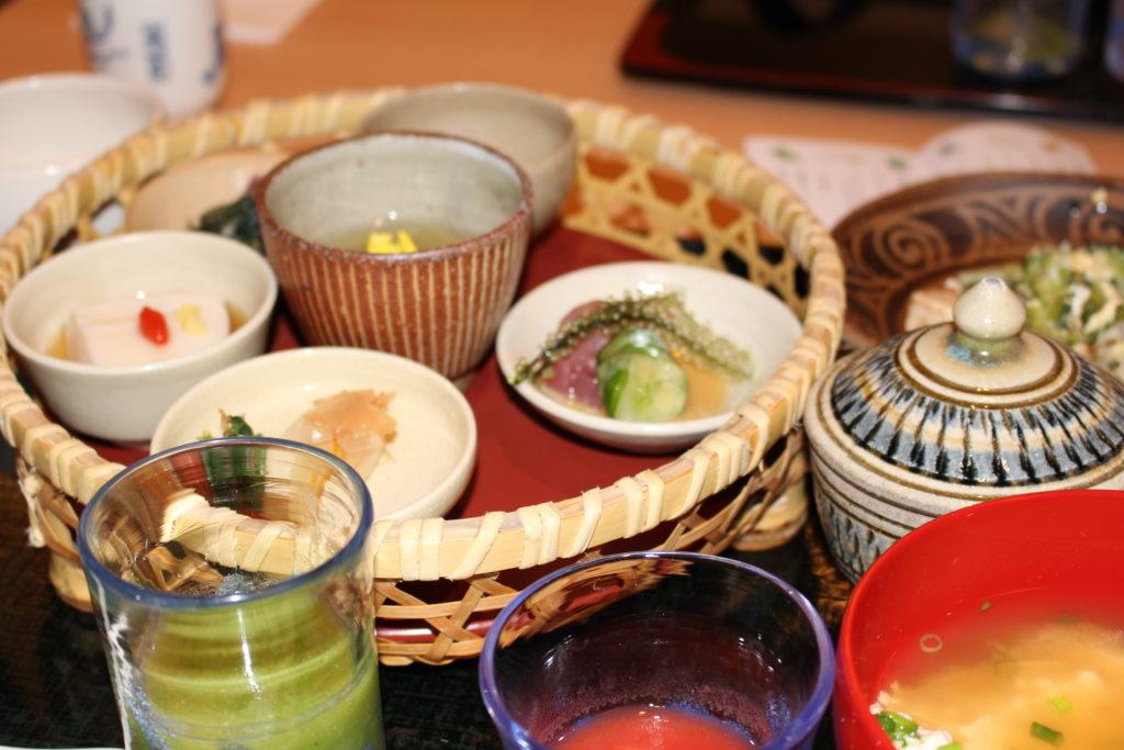 アリビラ 朝食 琉球料理