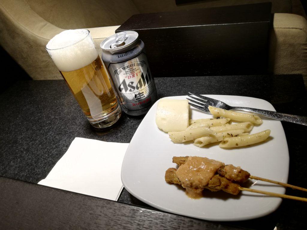 dnataラウンジ食事