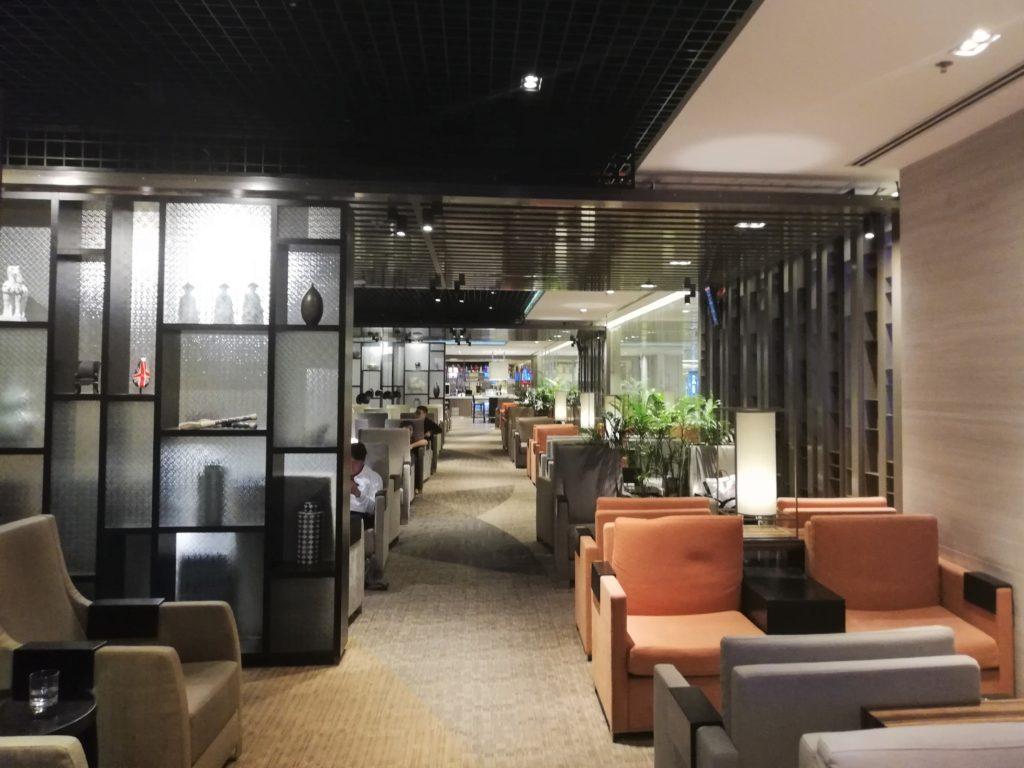 シンガポール・チャンギ空港ラウンジdnata loungeの内観