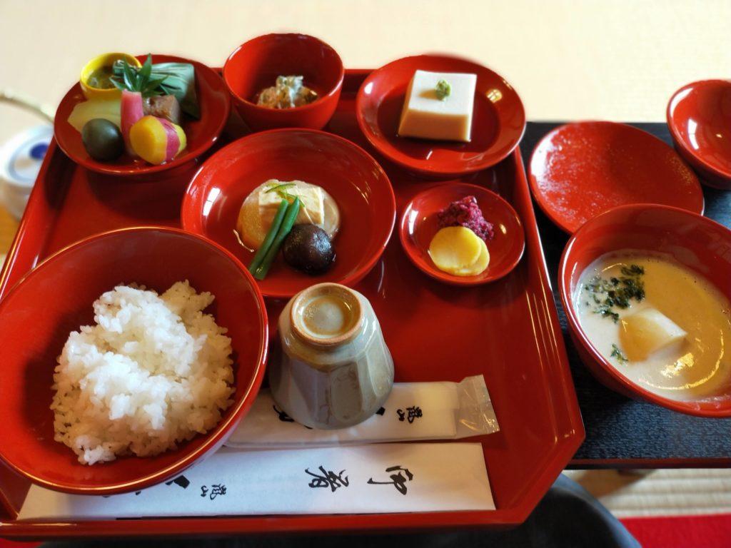 天竜寺直営の精進料理のお店「̪篩月(しげつ)」でいただいた精進料理