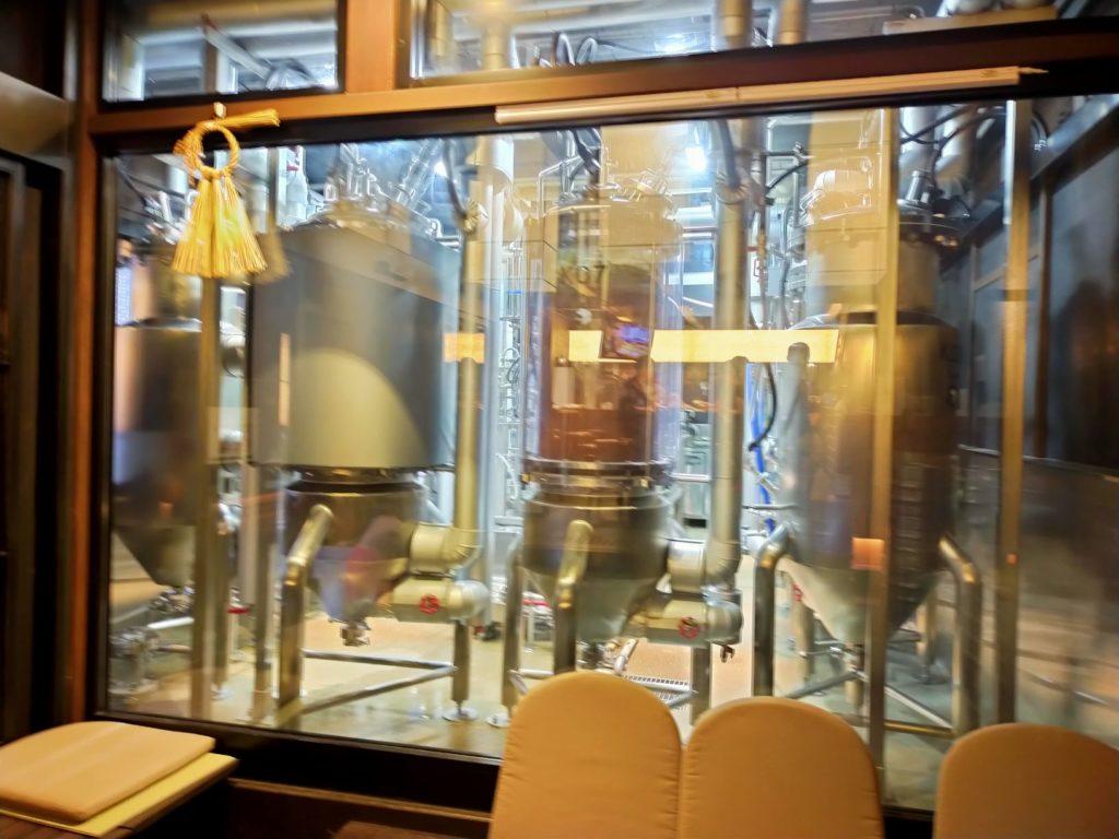 京都スプリングバレーブルワリー店内のビールタンク