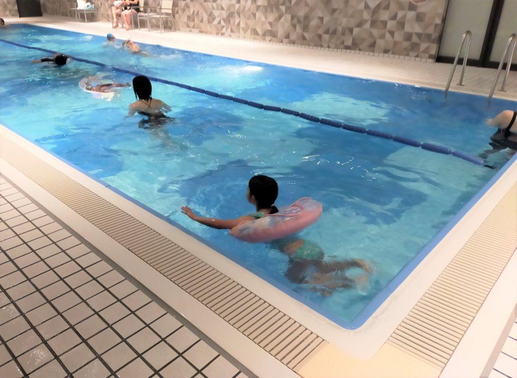 ヒルトン名古屋の室内プール