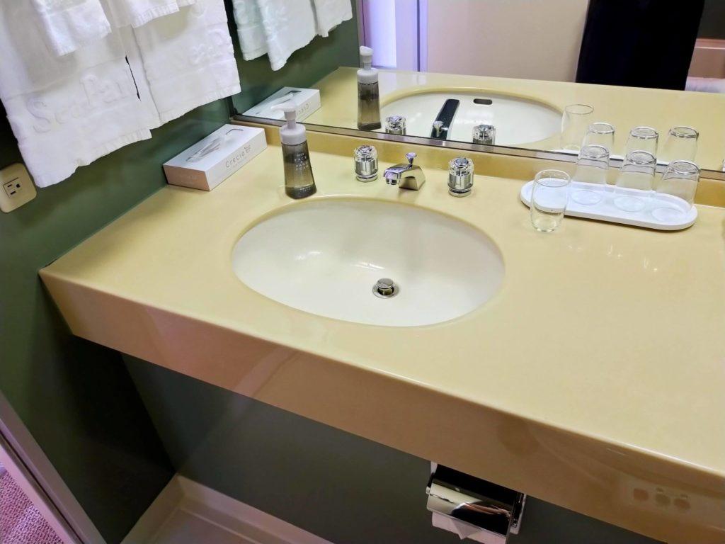 リザンシーパークホテル谷茶ベイ客室の洗面所