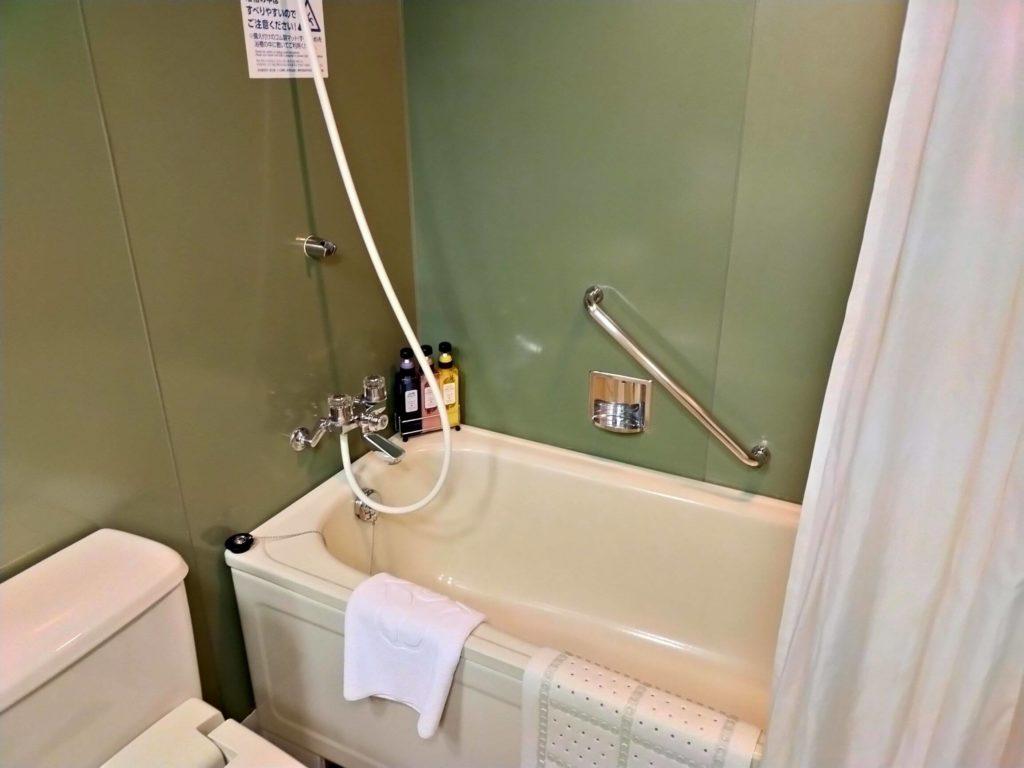 リザンシーパークホテル谷茶ベイ客室のバスルーム