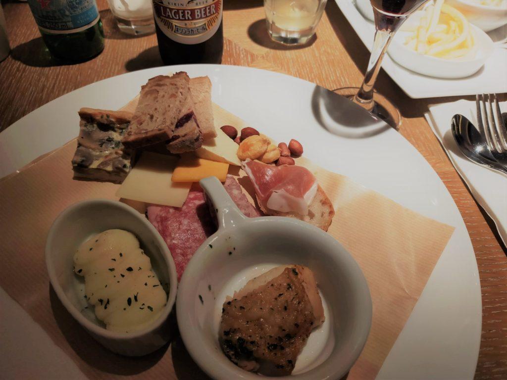 ヒルトン名古屋エグゼクティブラウンジのカクテルタイムの軽食