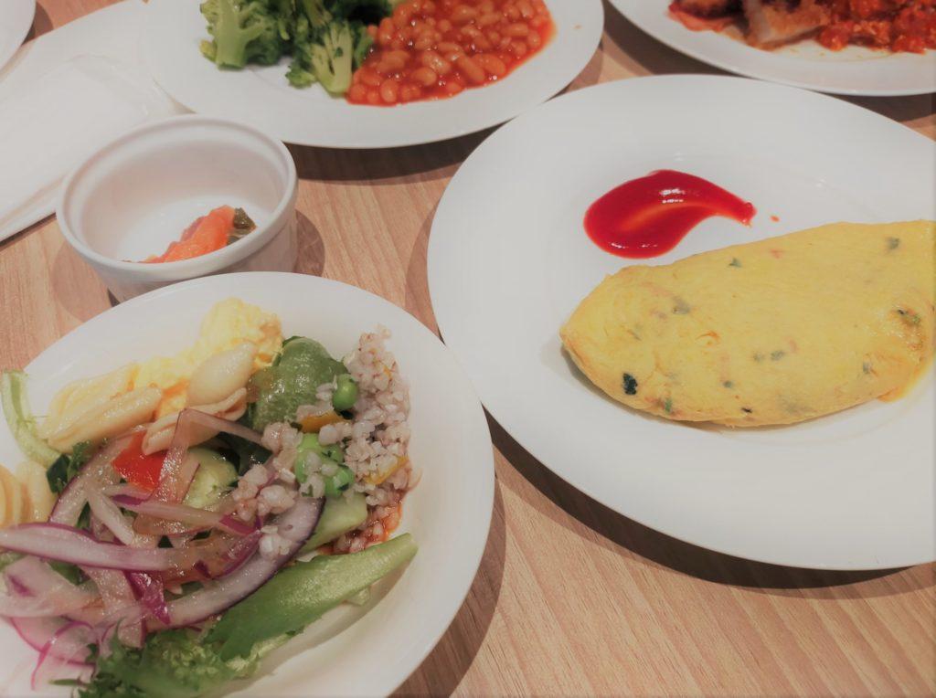 インプレイス3-3の朝食ビュッフェのオムレツ