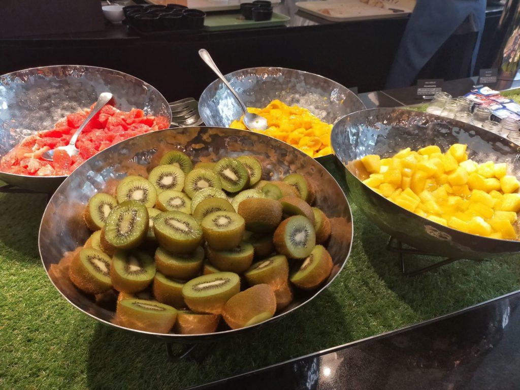 インプレイス3-3の朝食ビュッフェ(フルーツコーナー)