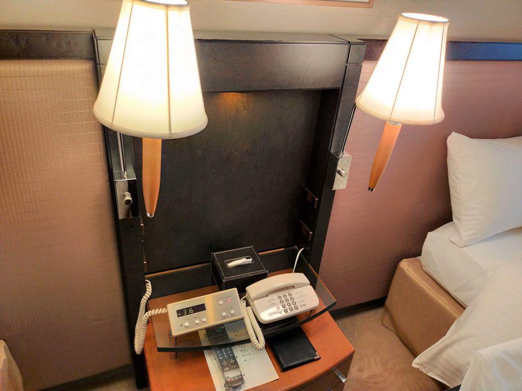 横浜ベイホテル東急のお部屋の様子(ベッドサイド)
