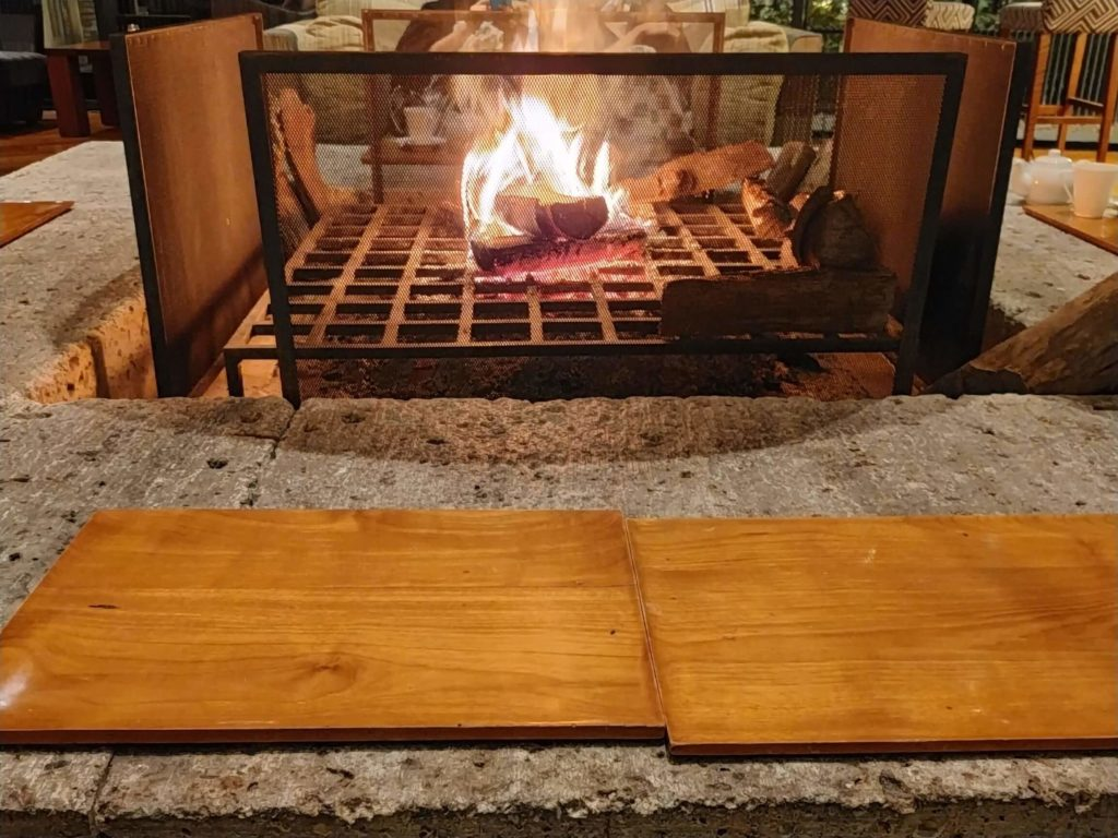 ハイアットリージェンシー箱根のラウンジにある暖炉