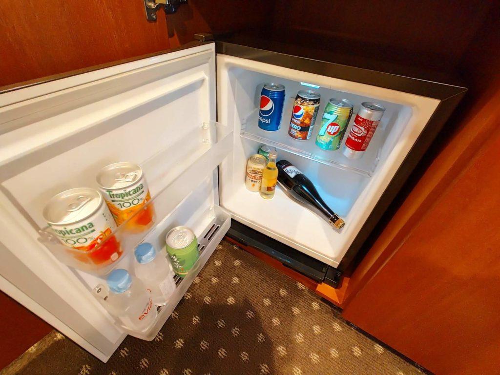 横浜ベイシェラトンホテル&タワーズの冷蔵庫内