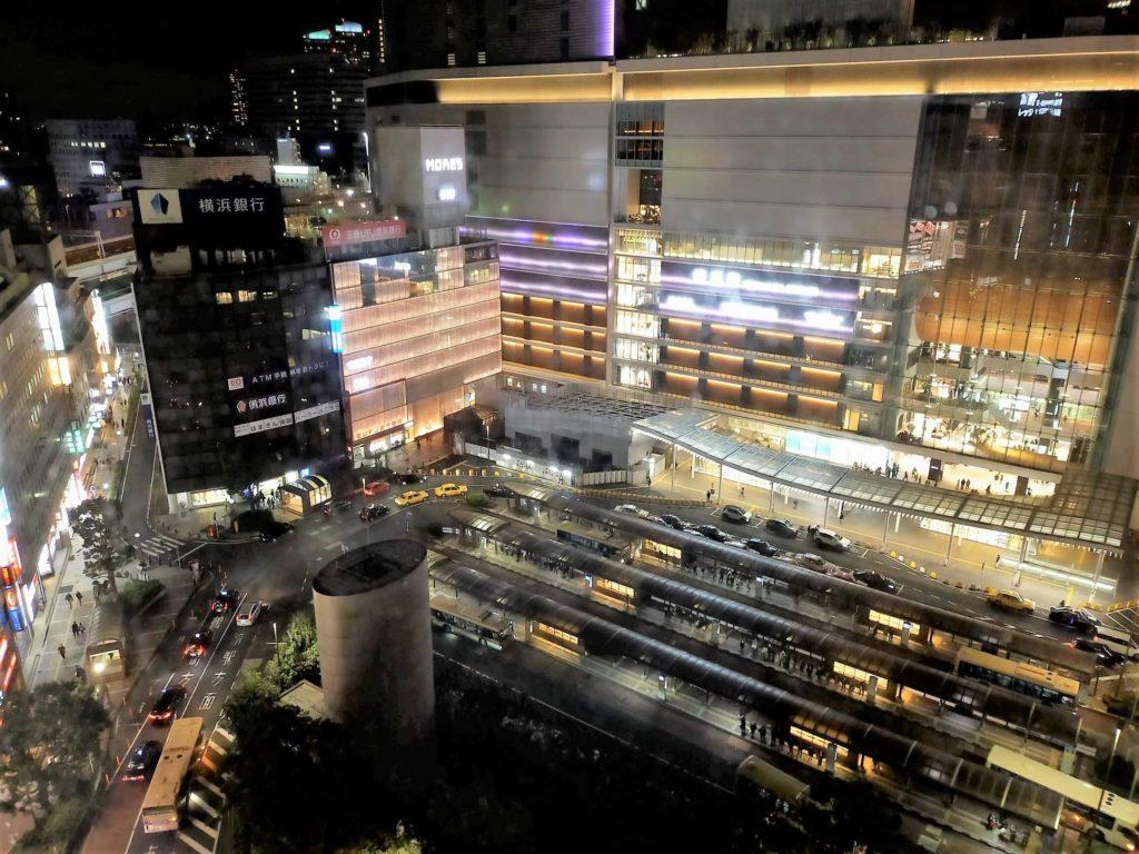 横浜ベイシェラトンホテル&タワーズの客室からの夜景