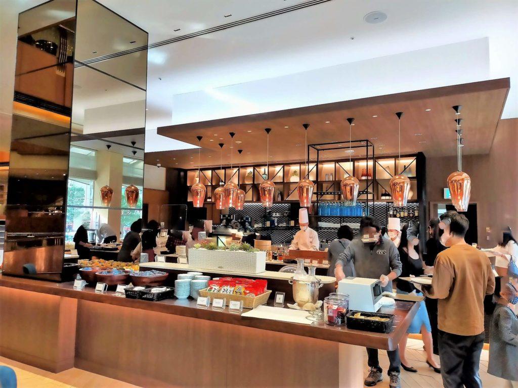 横浜ベイシェラトンホテル&タワーズの朝食「シーウィンド」の様子