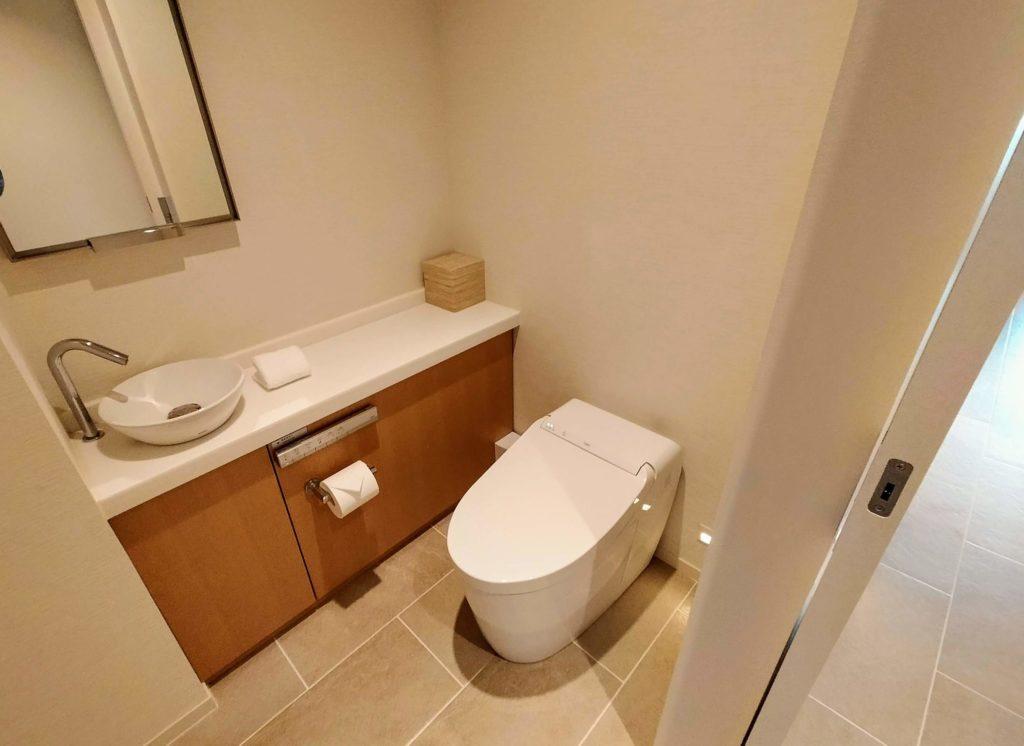 ハレクラニ沖縄 デラックスオーシャンビューのトイレ