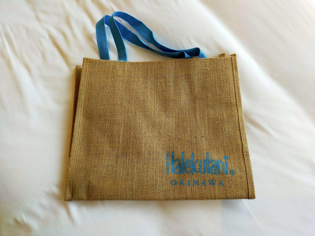 ハレクラニ沖縄のビーチバッグ