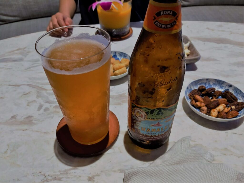 ハレクラニ沖縄のサンセットバー「スペクトラ」のクラフトビール