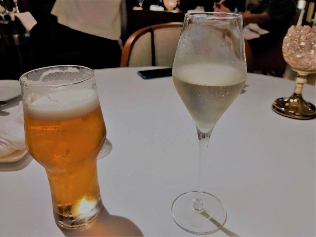 ハレクラニ沖縄「キングダム」ディナーのビールとシャンパン