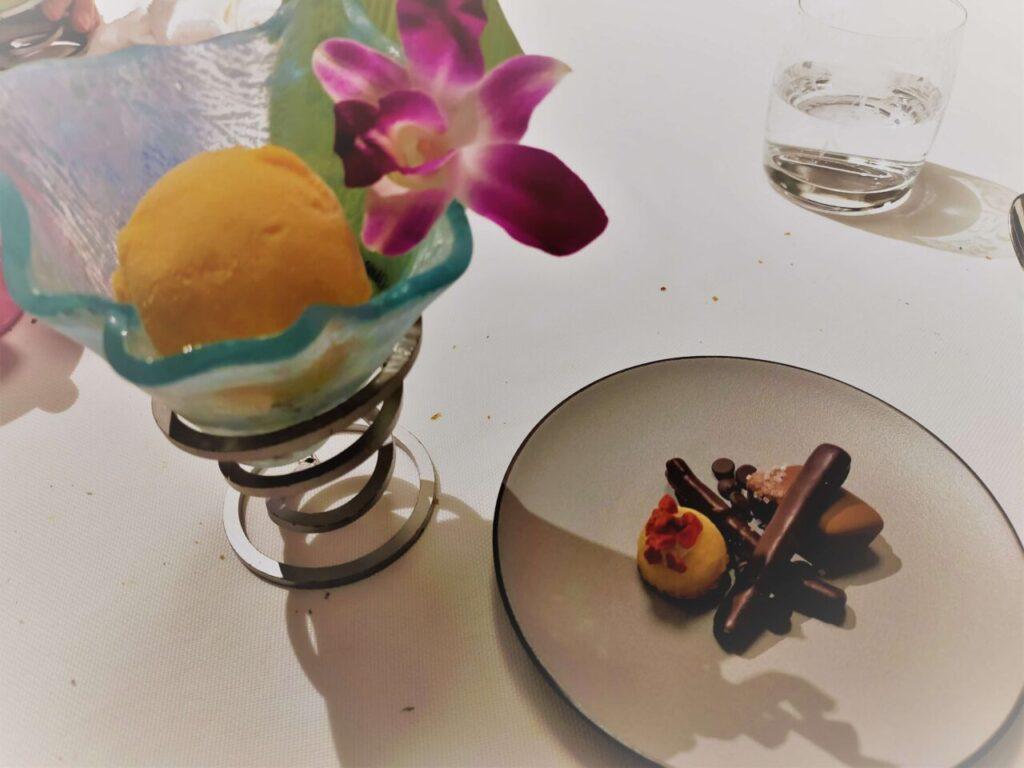 ハレクラニ沖縄のステーキ&ワイン「キングダム」のコースのデザート
