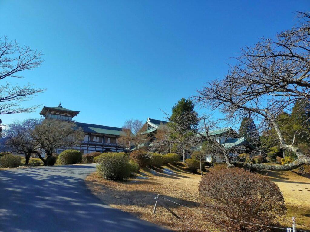 箱根日帰り温泉 龍宮殿本館の広大な庭園