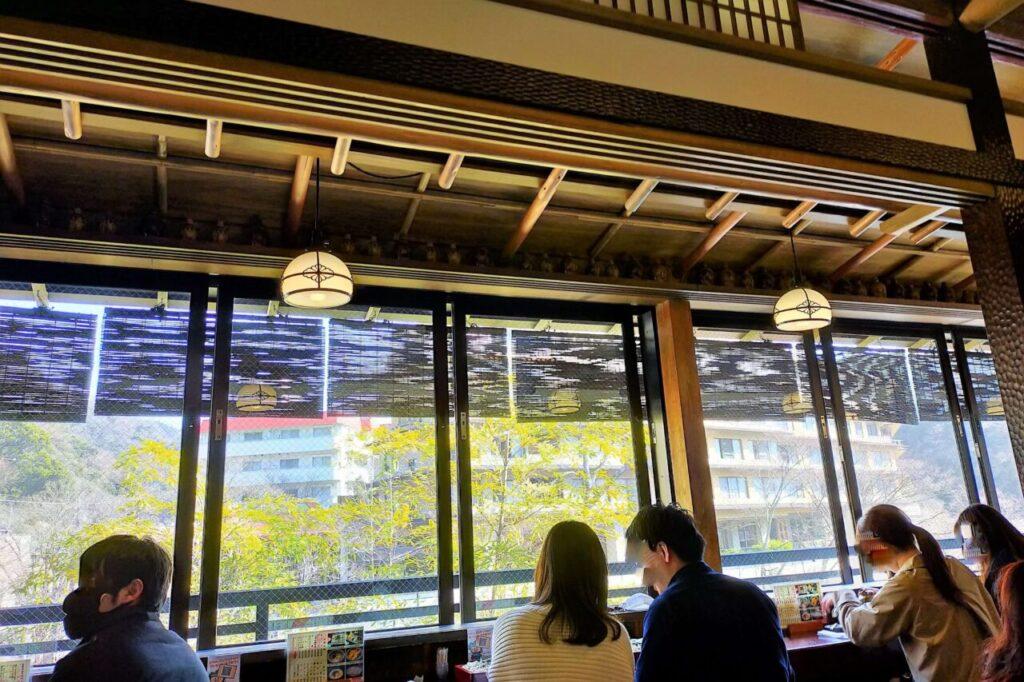 箱根名物 はつ花のお蕎麦 店内の様子