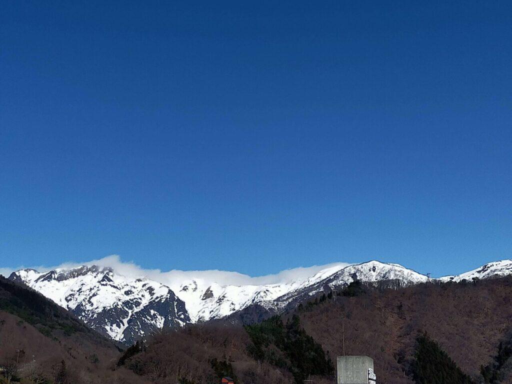 みなかみホテルジュラクから眺める谷川岳