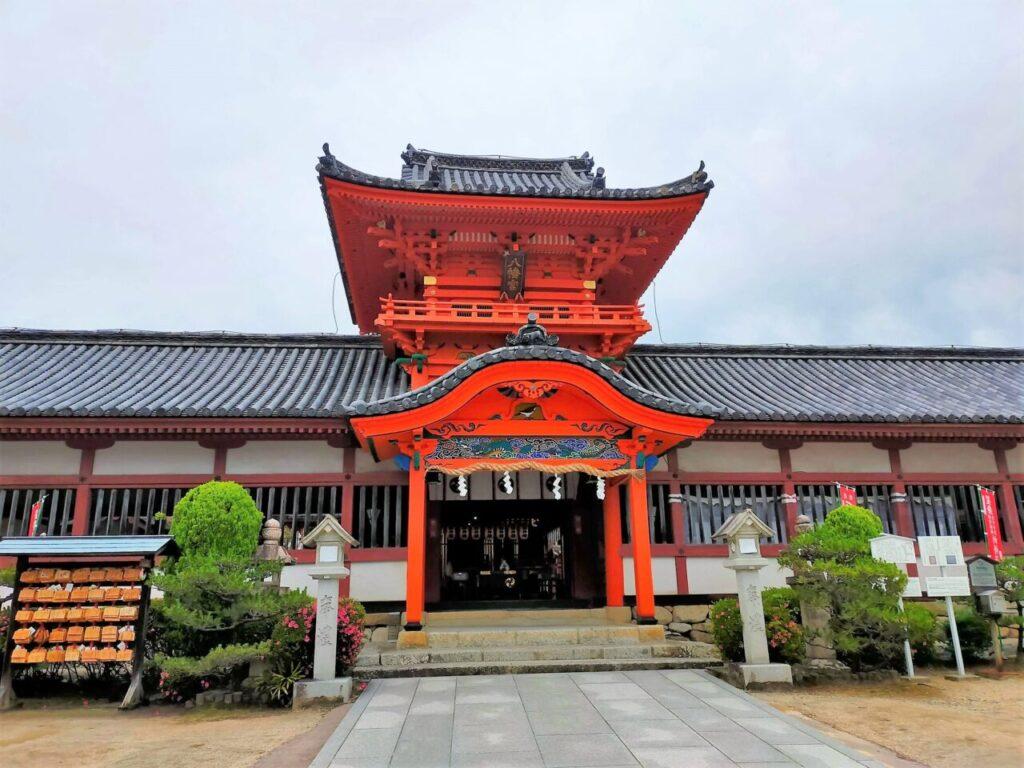 道後温泉の高台にある伊佐爾波神社