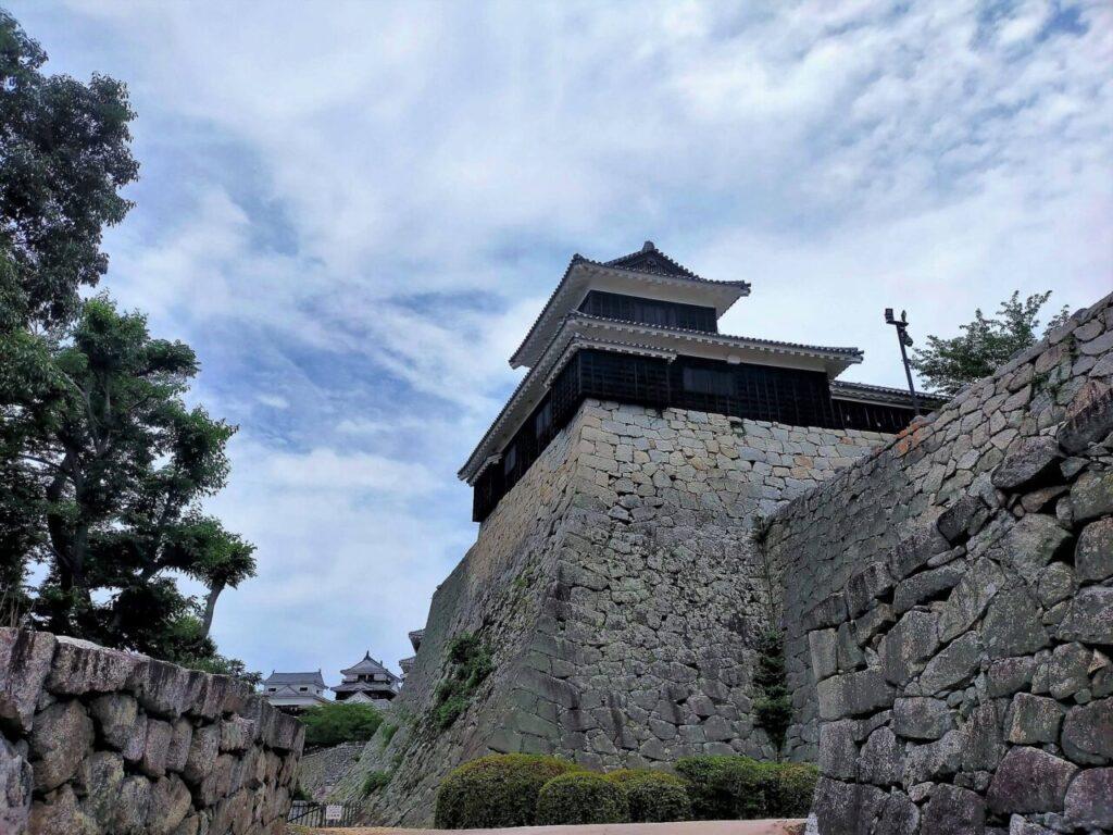 道後・松山は乗り物天国!楽しい乗り物がいっぱい(リフトで松山城へ登城)