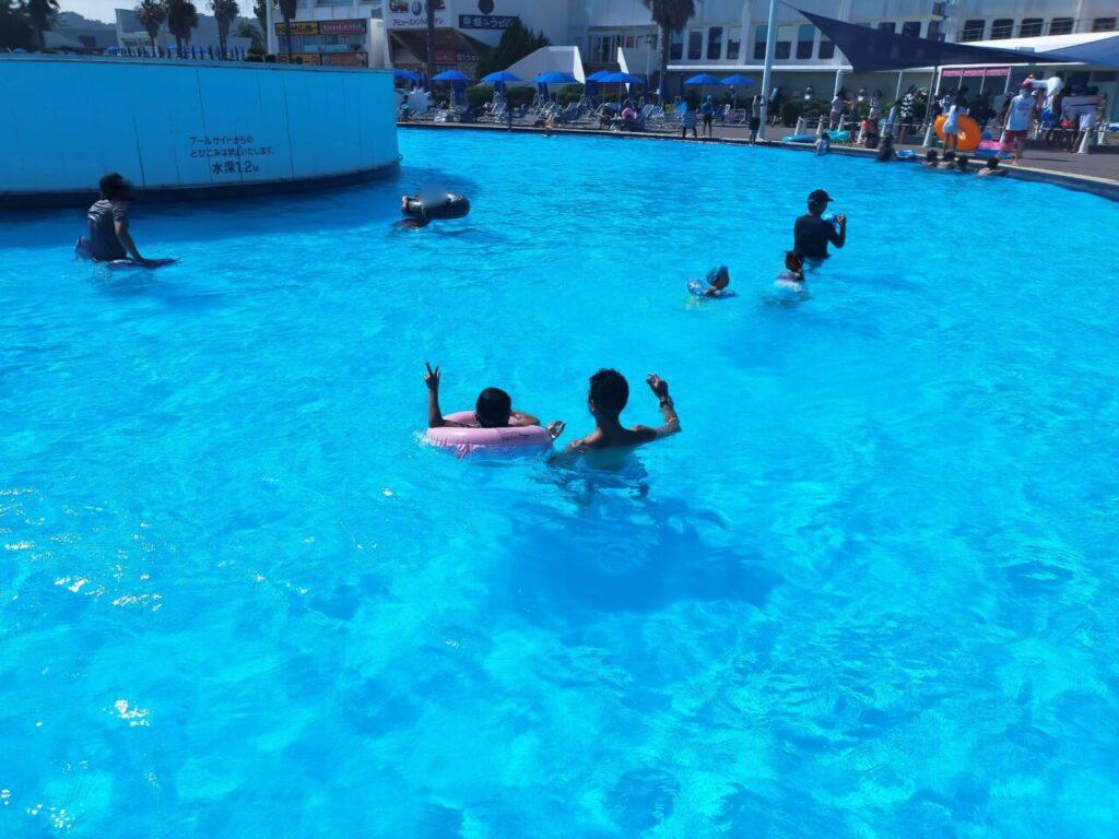 大磯ロングビーチの流れるプール