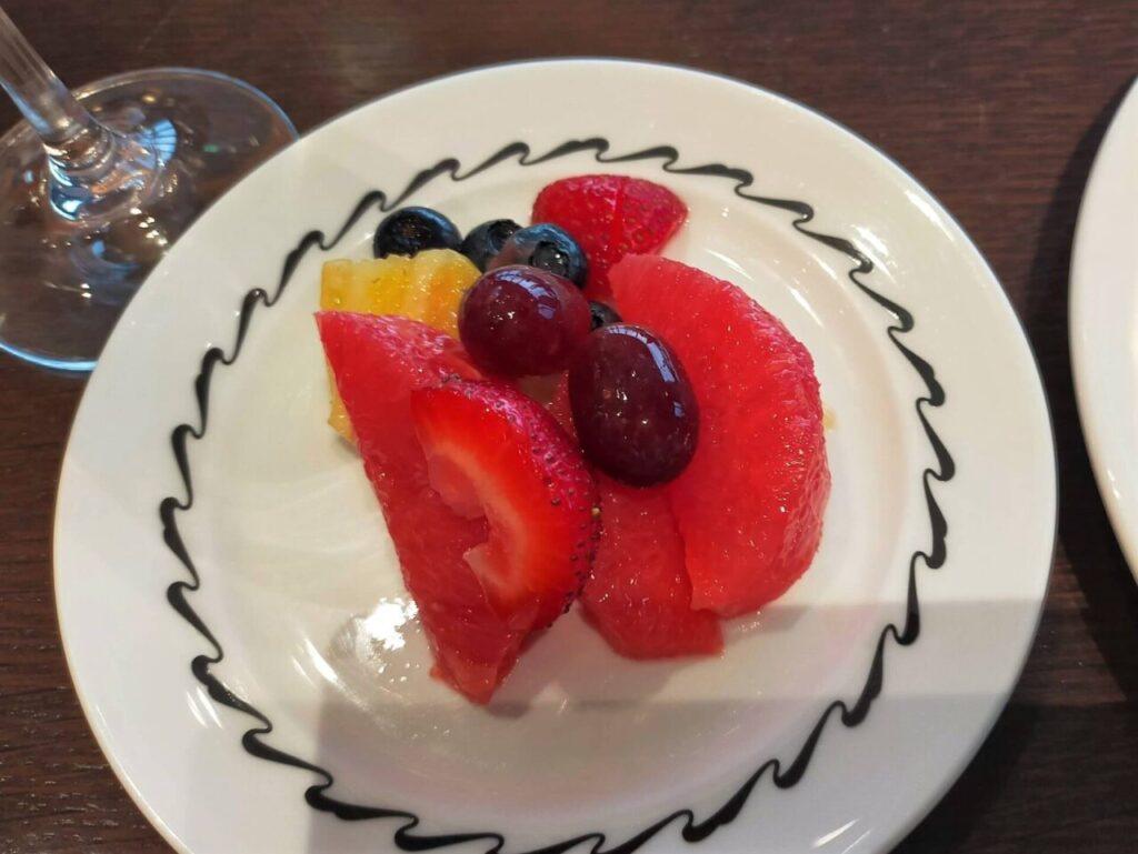 ハイアットリージェンシー大阪のクラブラウンジのカクテルタイム(フルーツ)